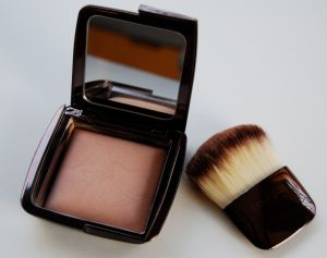 Hourglass Ambient Dim Light and Brush