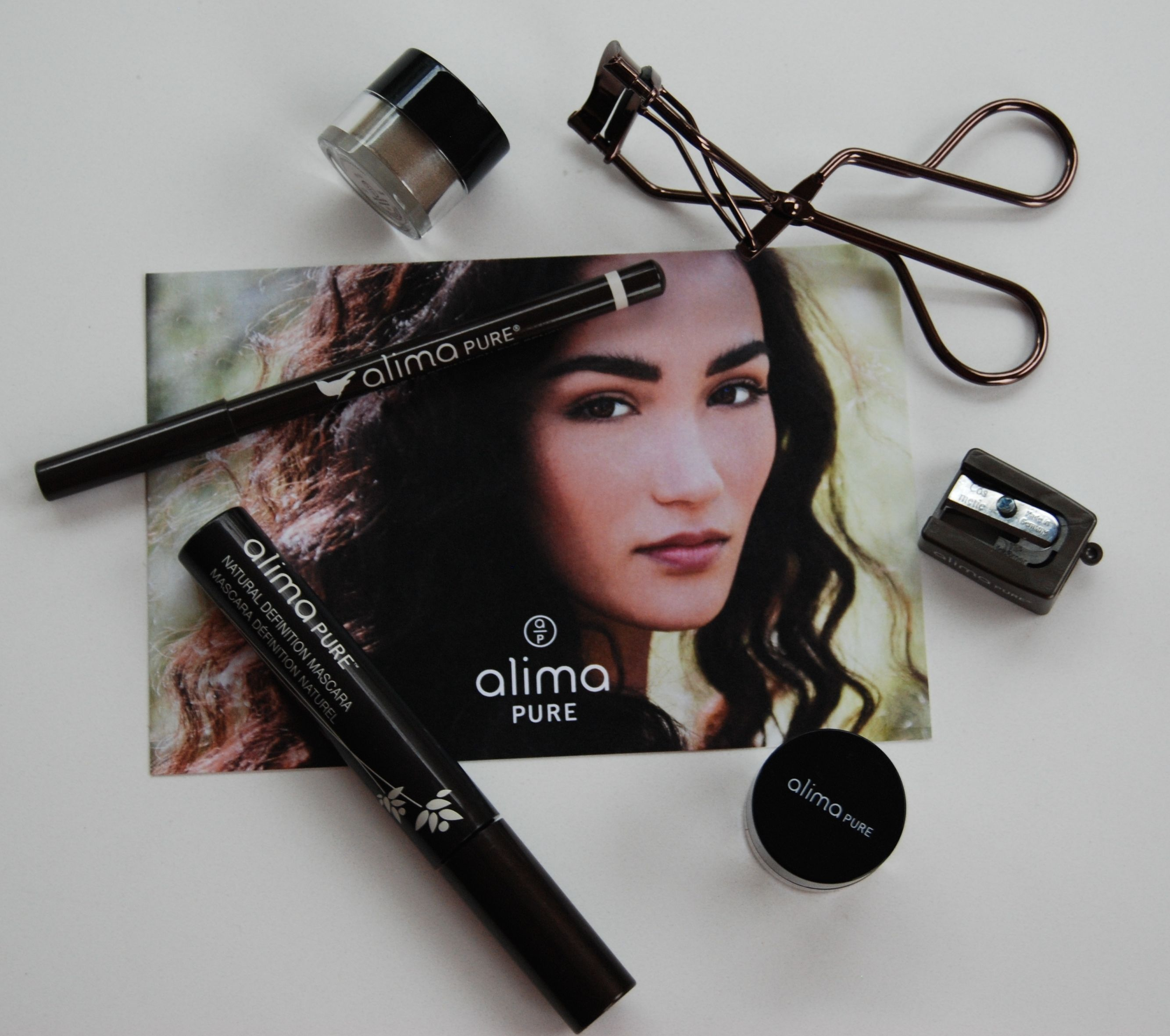 ccfc826121d Alima Pure has been a longtime favorite of mine so I was thrilled to check  out the Smoky Eye Kit. Their blushes are gorgeous and they have a stellar  range ...